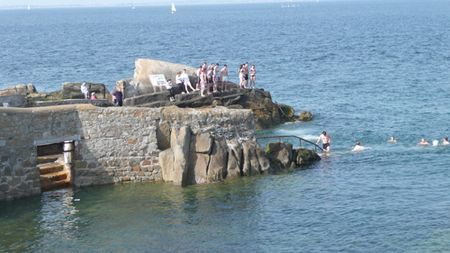 Swimming-at-Sandycove