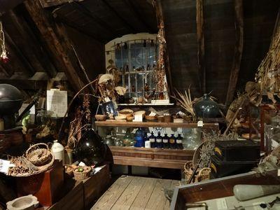 Interior-of-museum