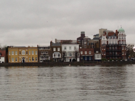 Thames-high-tide