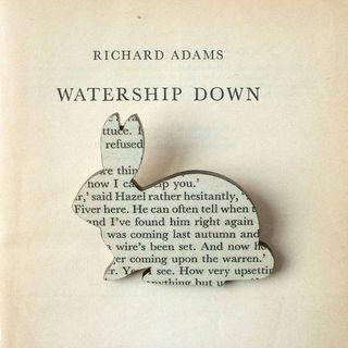 Watership_down_brooch